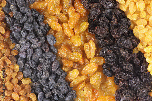 Assorted raisins