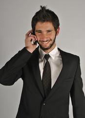 Empresario negociando feliz