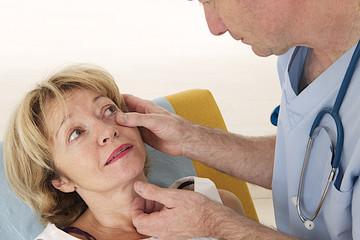 Ophtalmologie - Examen de l'oeil & paupières