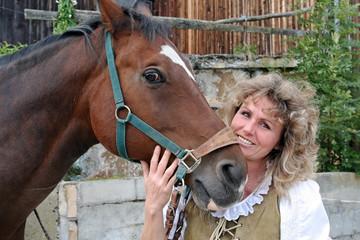 Die Frau und ihr Pferd