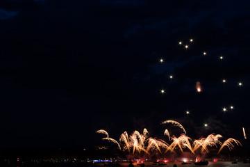 Feux d'artifices au dessus du lac d'Annecy