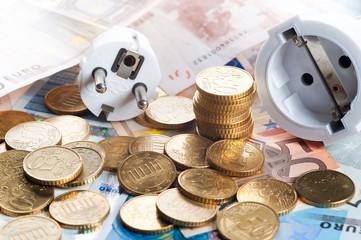 netzstecker mit banknoten 2