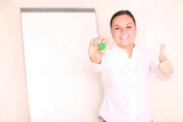 Geschäftsfrau mit Flipchart