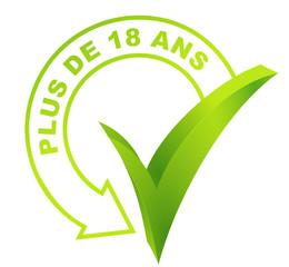 plus de 18 ans sur symbole validé vert 3d