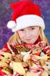 Mädchen mit Weihnachtlichem Gebäck