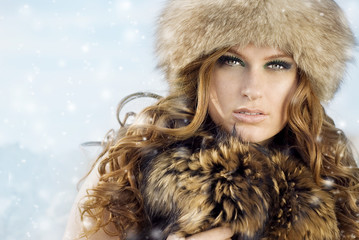 picture of beautiful woman in winter hat