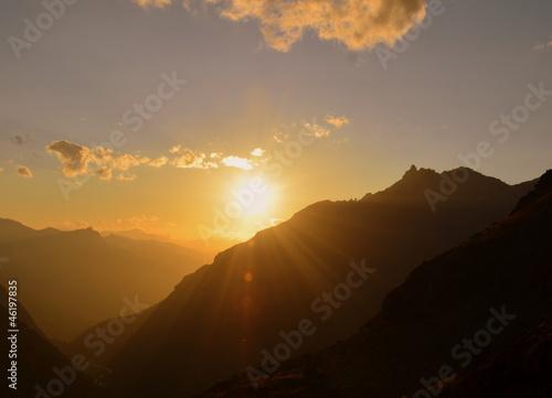 crépuscule en haute montagne
