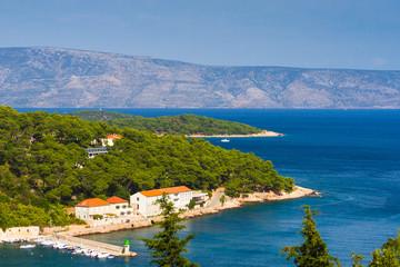 Blick von der Insel Brac nach Baska Voda, Kroatien