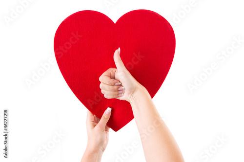 Nur die Liebe zählt - Rotes Herz isoliert