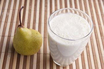 fragrant fresh pear smoothy
