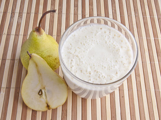 fragrant fresh pear smoothy