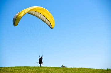 Preparing to Paraglide