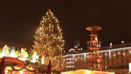 ドレスデン クリスマスピラミッドとツリー