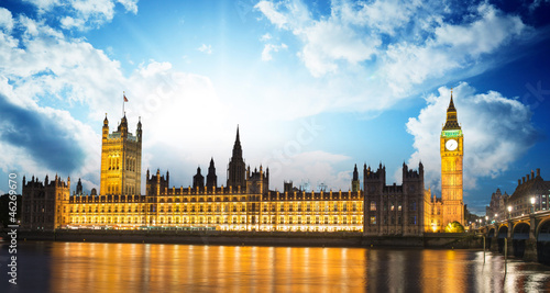 Big Ben and House of Parliament at River Thames International La