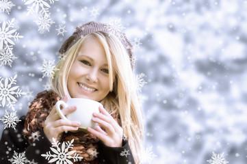 Tee im Schneegestöber