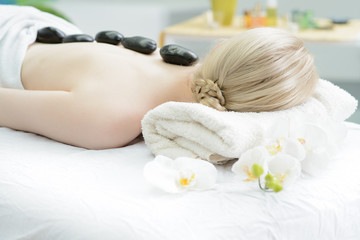 wellnessbereich, hot stone massage