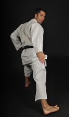 Posiciones de karate. Zenku sudachi