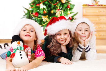 Children in Santa hats