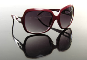 brown vintage sunglasses isolated reflection
