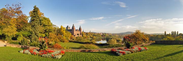 Panoramafoto Aschaffenburg mit Schloss Johannisburg