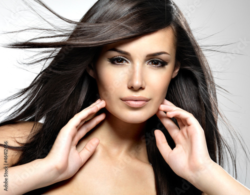 Fashion model  with beauty long straight hair. - 46412466