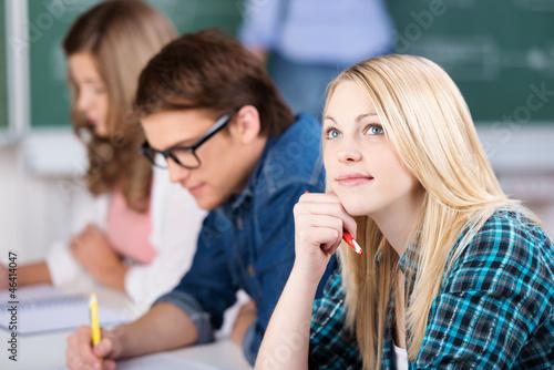studentin in der vorlesung - 46414047