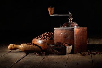 antico macinino da caffè