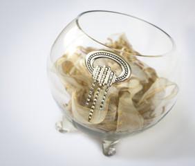vaso prezioso con gioiello in argento