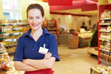 Marktleiterin im Supermarkt