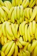Viele Bananen im Supermarkt