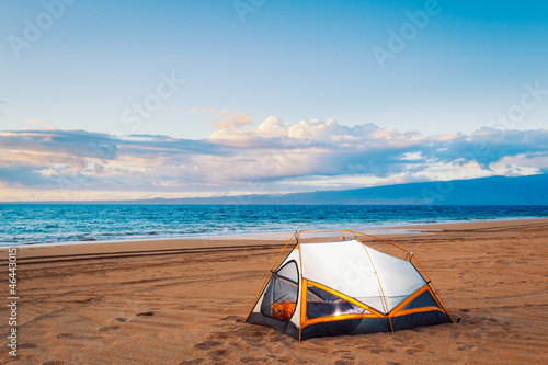Fotobehang Zonsondergang op het Strand Camping on the Beach