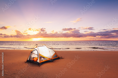 Fotobehang Zonsondergang op het Strand Camping on the Beach