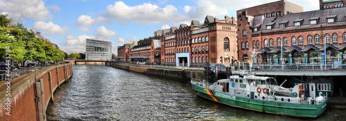 Leinwanddruck Bild Hamburg / Zollkanal Panorama