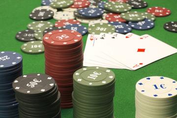 Tavolo da poker fiches e carte