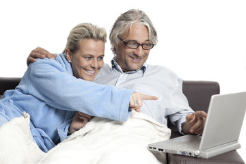 Man and woman looking at laptop2
