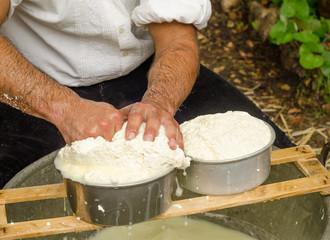Sardegna, preparazione del formaggio