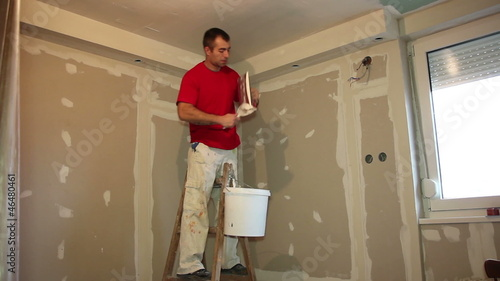 Applying Plaster to Plasterboard