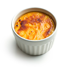 creme brulee in ceramic bowl