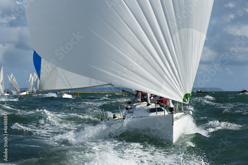 yacht racing in the swell