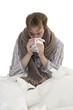 Kranker Mann beim Tee trinken - Freisteller