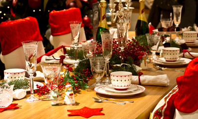 elegant Christmas table setting in red
