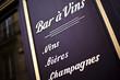 Bistrot, bar, bar à vins, chai, cave, œnologie, boisson