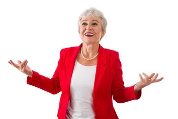 Die Entscheidung - ältere Frau isoliert in Rot