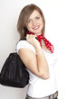 junge Frau mit Tasche