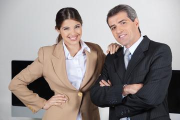 Business-Duo im Büro