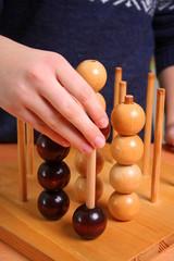 Holzkugelspiel