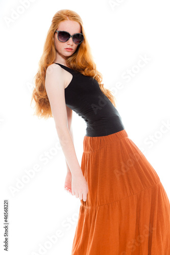 Fashion Girl With Long Red Hair Wearing Black Sunglasses De Ysbrandcosijn Photo Libre De