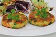 Gemüsebürger mit Salat