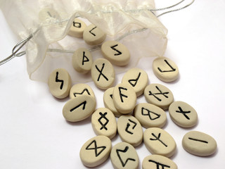 Nordic runes wtih small bag