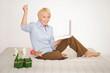 Ältere Dame mit Laptop